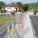 Claudia auf Brücke Schiffarth - klein